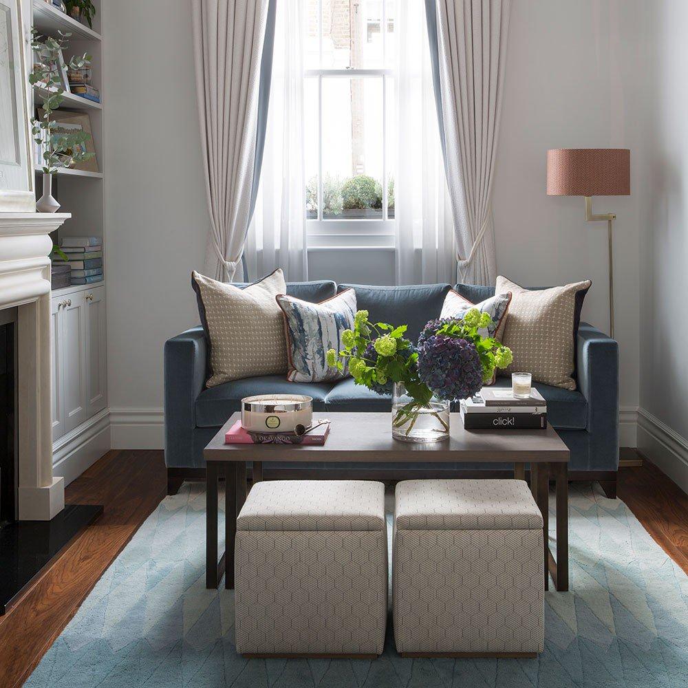 sofa sala de estar pequena prego e martelo