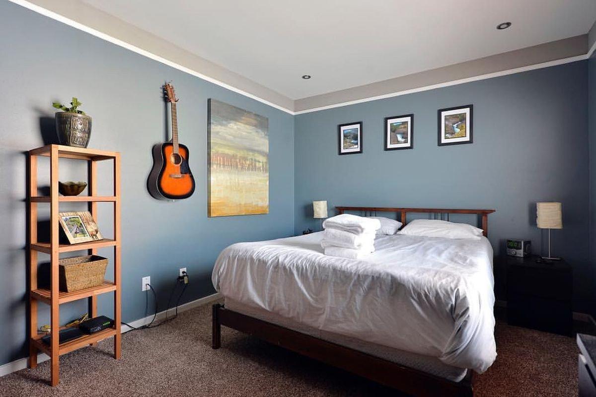 quarto airbnb prego e martelo