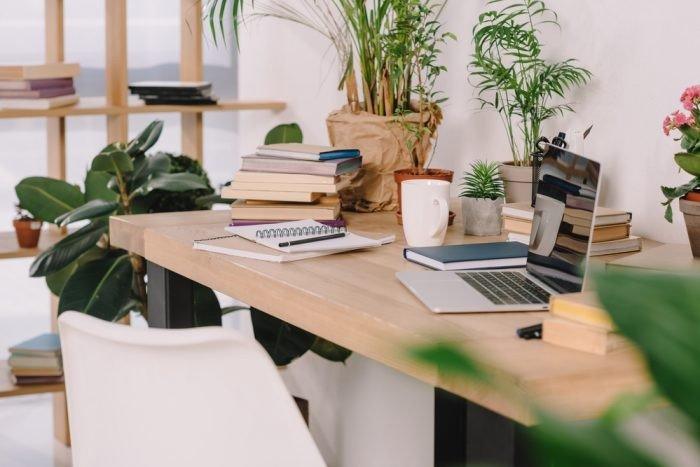plantas home office prego e martelo