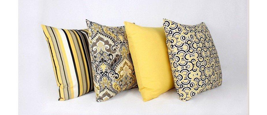 Precisamos falar sobre os benefícios que uma capa de almofada oferece para a decoração da sua casa