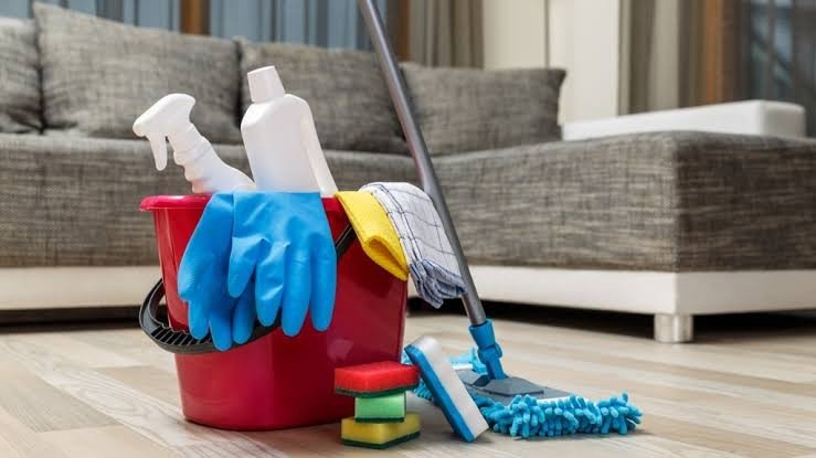 limpeza sofa prego e martelo