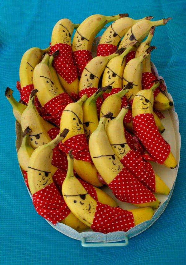 03 bananas piratas prego e martelo