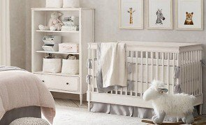 parede quarto do bebe prego e martelo