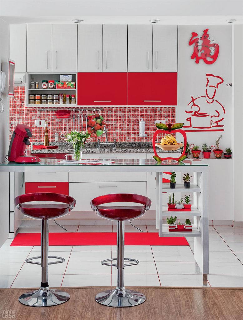 vermelho cozinha prego e martelo