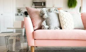 capa sofa prego e martelo