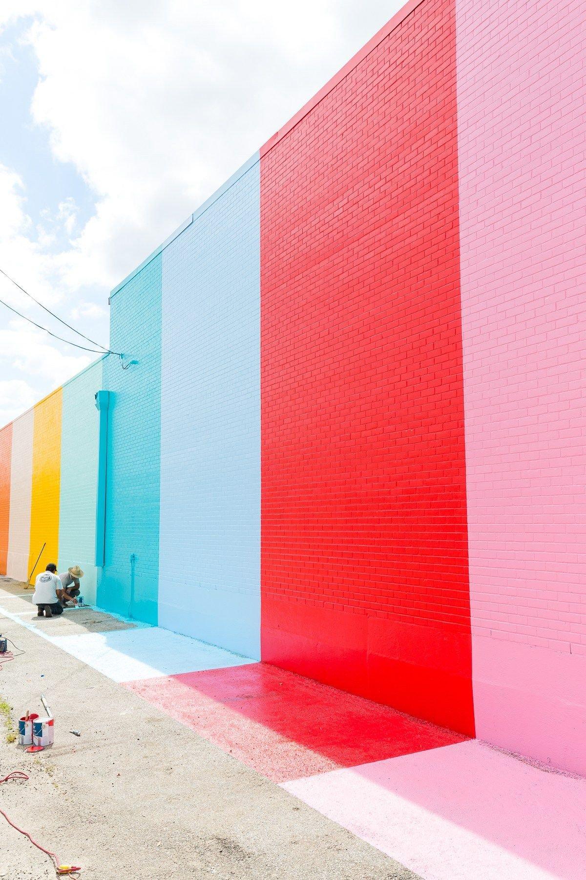 cores paredes prego e martelo