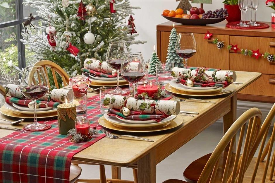 mesa de natal decor prego e martelo