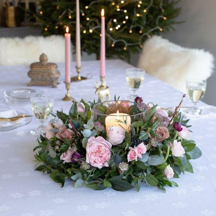 flores mesa de natal prego e martelo