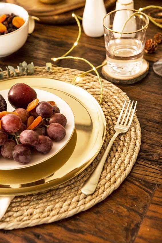 decoracao ano novo mesa prego e martelo