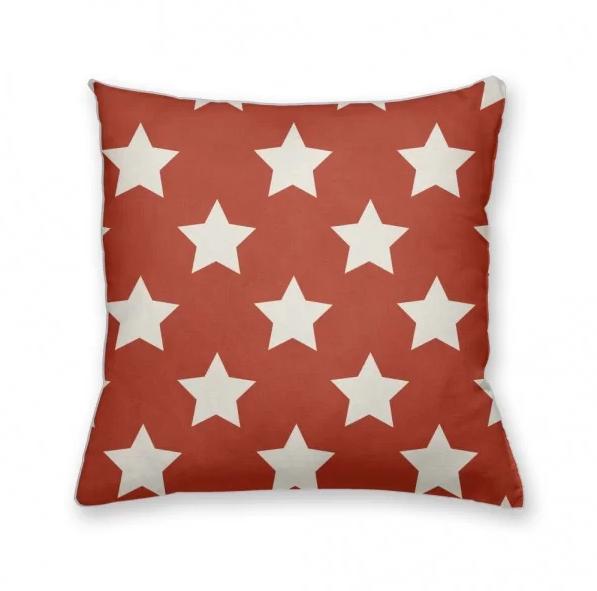 almofada decorativa own vermelha com estrelas a