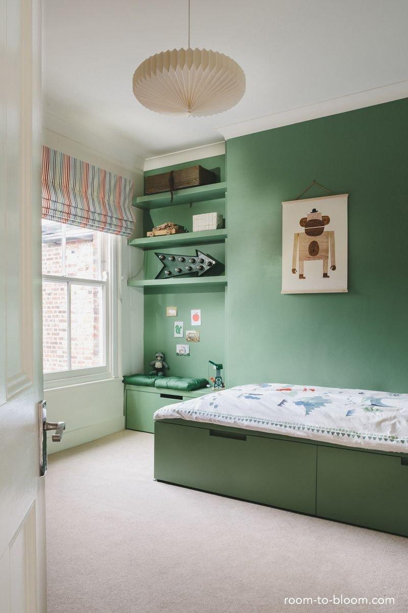 quarto verde infantil prego e martelo