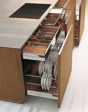 madeira na cozinha prego e martelo