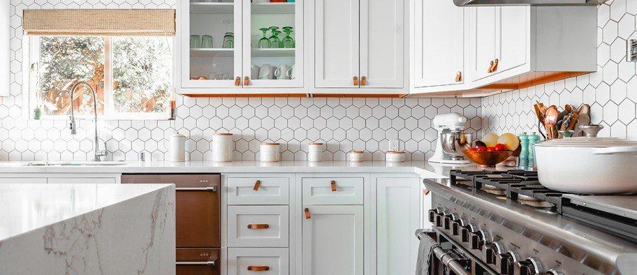 Dicas de Feng Shui para colocar em prática na decoração da cozinha e atrair boa sorte.