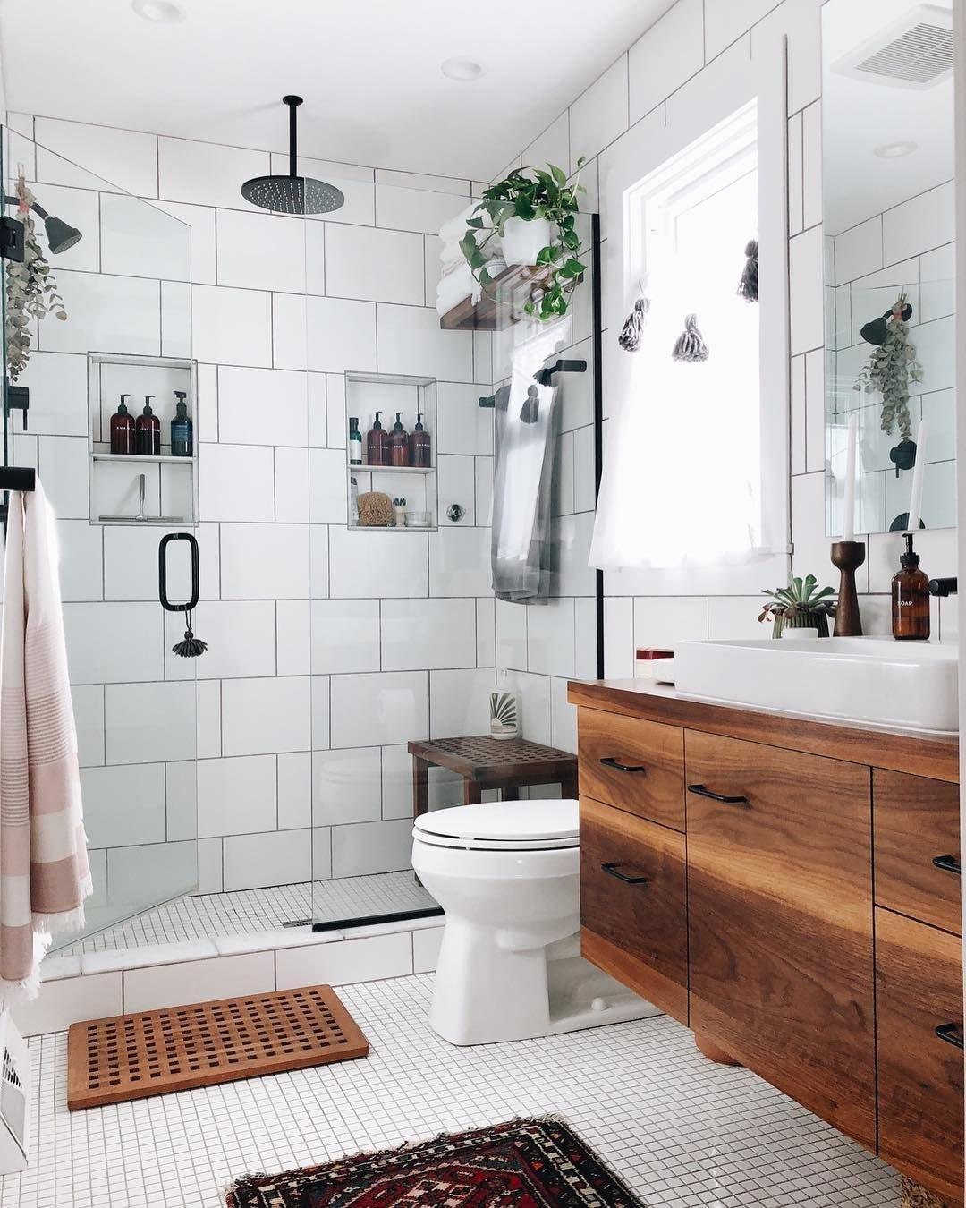 banheiro decor prego e martelo