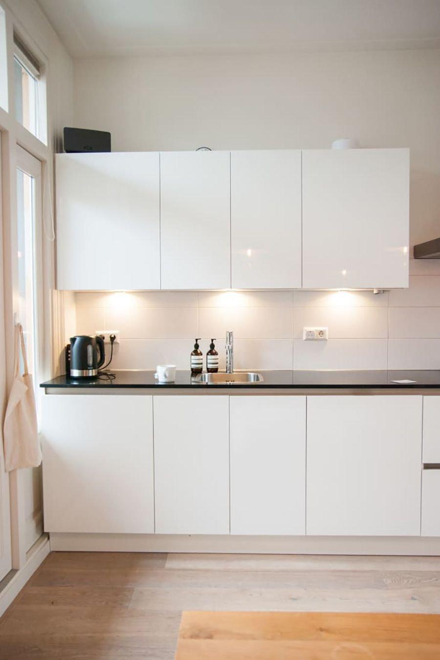 area de trabalho cozinha iluminacao prego e martelo