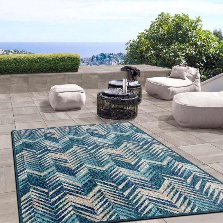 tapete terraco prego e martelo